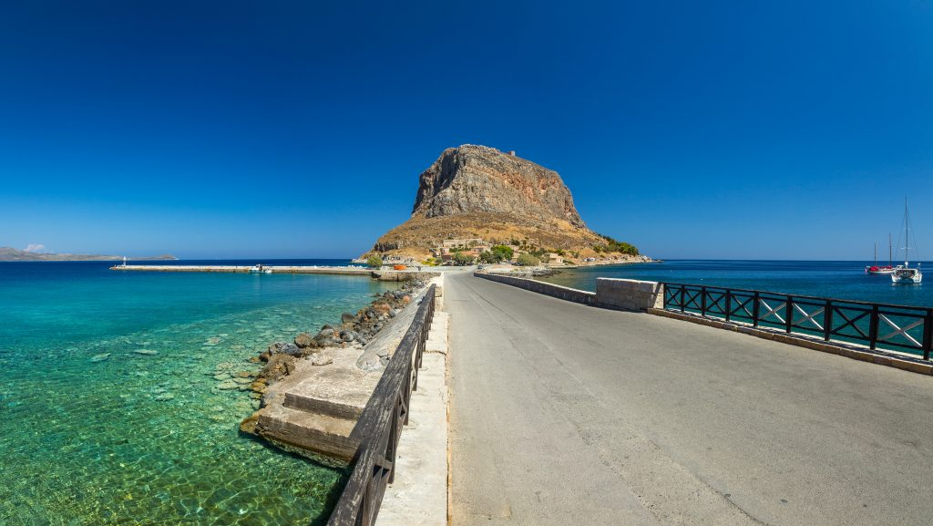 yacht trip to south peloponnese