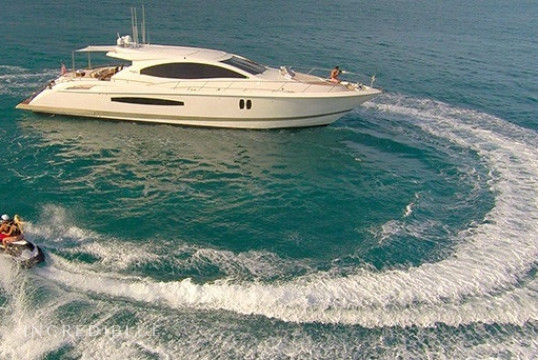 Noleggiare yacht Lazzara  75ft LSX a Miami Beach, Florida del sud