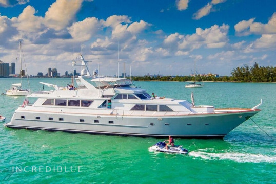 Noleggiare yacht Custom Broward 103ft a Miami Beach, Florida del sud