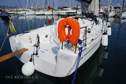 Sailing boat rent Elan  310 Performance in Marina Kalamaki, Athens