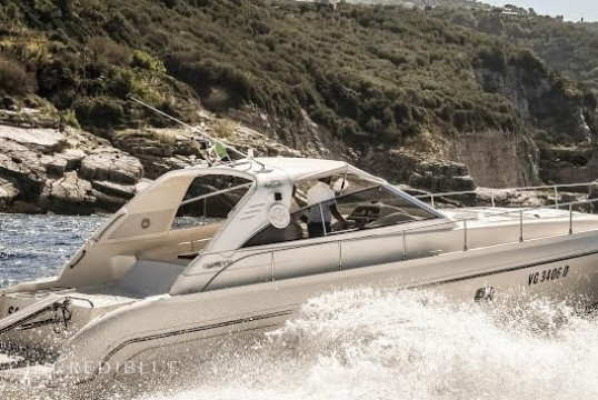 Huur motorboot Custom 45 in Porto di Sorrento, Campania