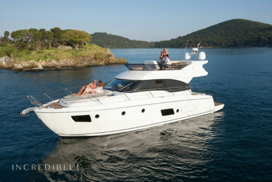 Motorboat rent Bavaria  Virtess 420 Fly in Puerto de Palma, Mallorca