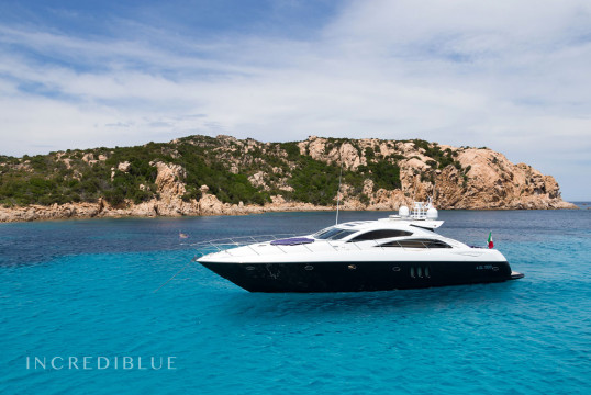 Yacht rent Sunseeker Predator 72 in Port d'Eivissa, Ibiza