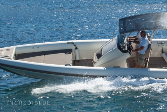 Rib rent Technohull SEA DNA 999 G5 in Lavrio Port, Athens