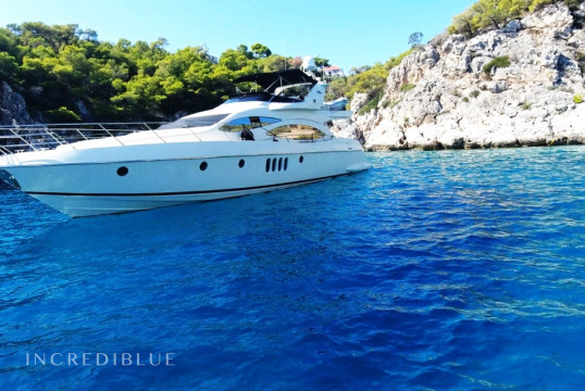 Yacht rent Azimut 68 in Athens Marina, Athens