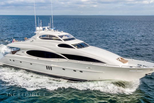 Yacht rent Lazzara  32.30m in Yacht Haven Marina, Nassau