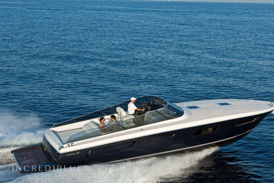 Motorboat rent Itama 45 in Port Marines de Cogolin, Var - Grimaud