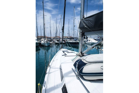 Sailing boat rent Hanse  415 in Lavrio Port, Athens