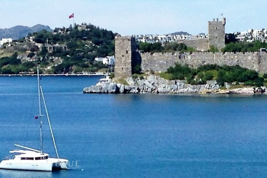 Catamaran rent  Lagoon 421 in Milta Marina, Bodrum