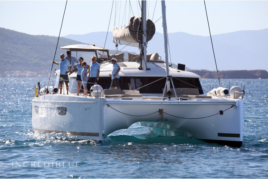Huur catamaran Fountaine Pajot SABA 50 in Tourlos Marina, Mykonos