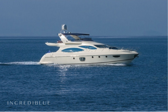 Yacht rent Azimut Evolution Flybridge in Marina Kalamaki, Athens
