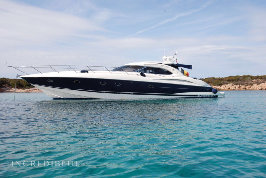 Motorboat rent Sunseeker Predator 60 in Cala Gavetta, Sardinia