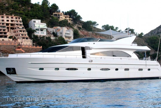 Yacht rent Astondoa GLX 82 in Port Olímpic, Barcelona