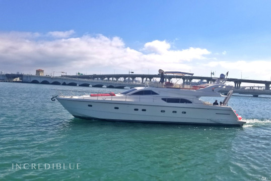 Huur jacht Ferretti 60' in Downtown Miami, Zuid-Florida
