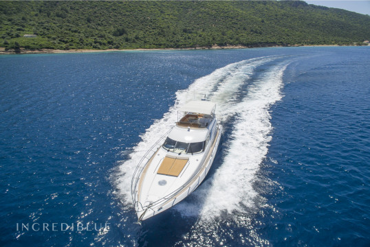 Yacht rent Sunseeker Manhattan62 in Milta Marina, Bodrum