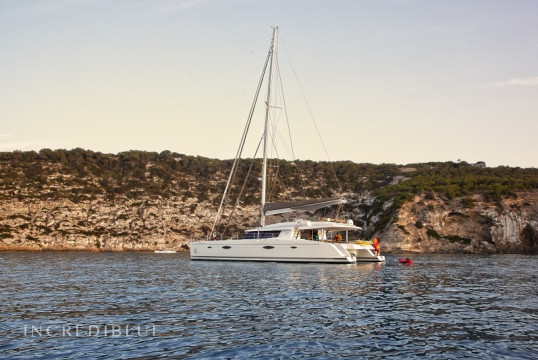Huur catamaran Fountaine Pajot Victoria 67 in Port de Sant Antoni, Ibiza